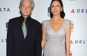 Michael Douglas et Catherine Zeta-Jones : amoureux et détendus loin des troubles