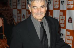 George Clooney pose enfin avec sa sculpturale compagne Stacy Keibler