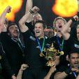 Les All Blacks et leur capitaine Richie McCaw ont remporté la Coupe du monde de rugby en résistant aux Français lors de la finale remportée 8-7 le 23 octobre 2011