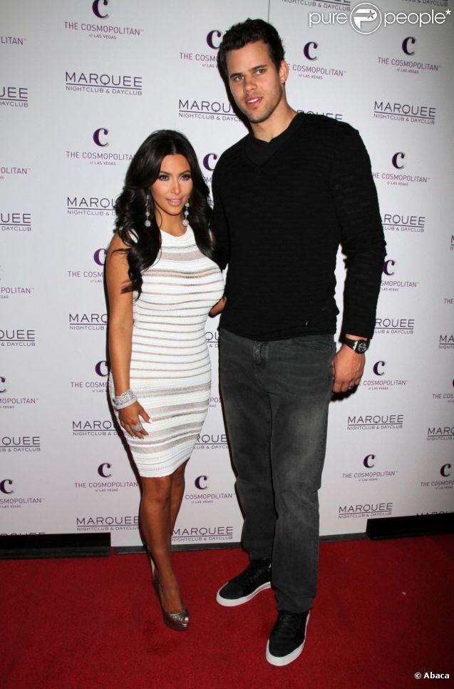 Kim Kardashian et son mari Kris Humphries à l'anniversaire de Kim à Las Vegas le 22 octobre 2011