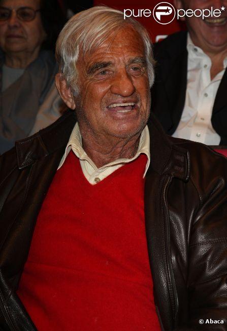 Jean-Paul Belmondo lors de la représentation du spectacle Une femme nommée Marie au Palais des Congrès le 24 octobre 2011