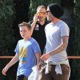 """""""David Beckham sortant d'une boutique d'appareils photo à Los Angeles le 26 octobre 2011"""""""
