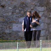 Giulia Sarkozy : Promenade au grand air avec papa et maman !