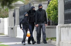 Liz Hurley, son fiancé, leurs enfants : la palme du déguisement le plus triste ?