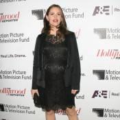 Jennifer Garner vit sa grossesse à la cool le jour, totalement glamour en soirée