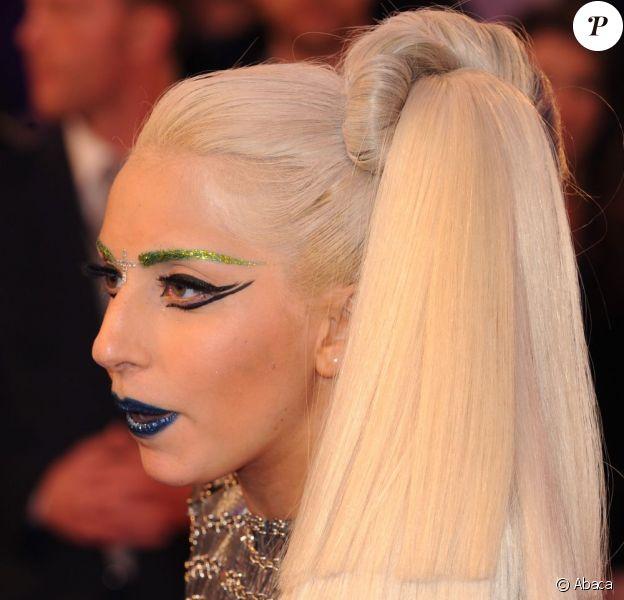 Lady Gaga arrive aux MTV Europe Music Awards 2011 à Belfast, le 6 novembre 2011