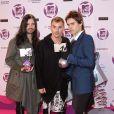 Jared Leto et son groupe 30 Seconds to mars posent avec leurs trophées dans la press room des MTV Europe Music Awards, à Belfast, le 6 novembre 2011.