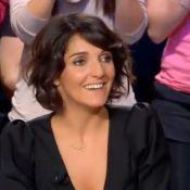 Florence Foresti reçoit un cadeau d'anniversaire sexy devant Jamel Debbouze