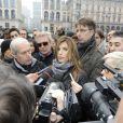 Elisabetta Canalis a fait le show à Milan pour une manifestation anti-fourrure le 28 novembre 2011