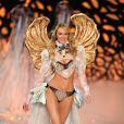 """""""Candice Swanepoel ultra-sensuelle, défile pour Victoria's Secret """""""