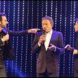 """Michel Drucker, Mathieu Madénian et Willy Rovelli lors de la soirée """"Europe 1 fait Bobino"""" à Paris, le 28 novembre 2011"""