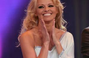 Pamela Anderson : Sexy et déchaînée, elle fête Playboy avec bonheur