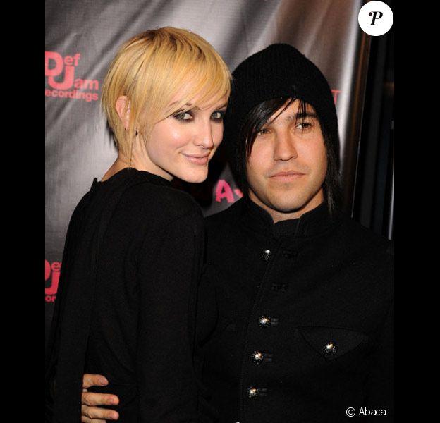 Ashlee Simpson et Pete Wentz posent lors d'une avant première à Los Angeles en octobre 2010