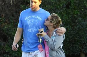 Ashley Tisdale : Toujours au chômage, elle profite de son chéri à temps plein