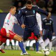 Ronaldo en route pour un joli but ! Le 9e Match contre la Pauvreté a vu l'équipe de stars des ambassadeurs du PNUD Zinedine Zidane et Ronaldo vaincre une sélection All-Star du HSV Hambourg 5 à 4, le 13 décembre 2011.