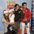 David Charvet en famille, avec sa femme Brooke Burke et leurs enfants lors de l'avant-première de Disney on Ice : Toy Story 3, à Los Angles le 14 décembre 2011