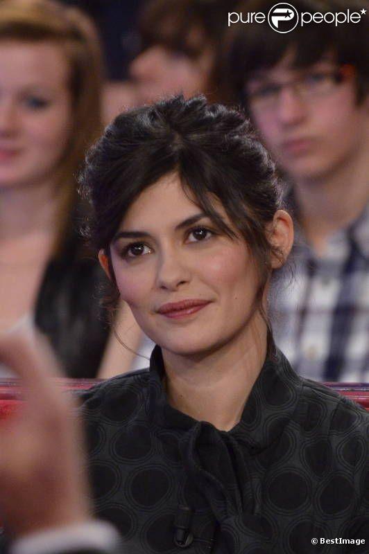 Audrey Tautou lors de l'enregistrement de Vivement Dimanche (spécial Gilbert Bécaud) au Studio Gabriel à Paris le 14 décembre 2011 - émission diffusée le 18 décembre 2011