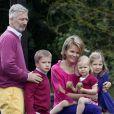 Le prince Philippe, la princesse Mathilde et leurs enfants en visite dans le Hainaut en juillet 2011.