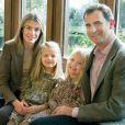 Letizia d'Espagne et Felipe, accompagnés de leurs fillettes, vous souhaitent de belles fêtes de fin d'année !
