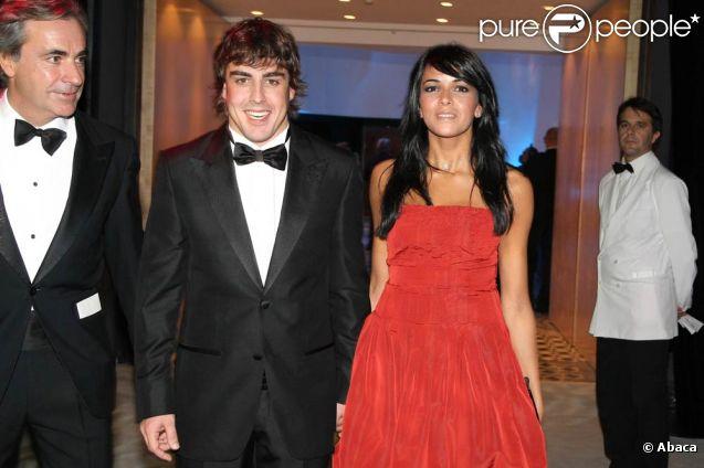 Fernando Alonso et Raquel del Rosario (photo : en décembre 2007 au gala annuel de la FIA), mariés en novembre 2006, ont annoncé leur séparation le 20 décembre 2011.