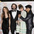 Elisa Sednaoui, Frédéric Beigbeder, Louise Bourgoi, et JoeyStarr lors de l'avant-première du film L'amour dure trois ans le 7 janvier 2012