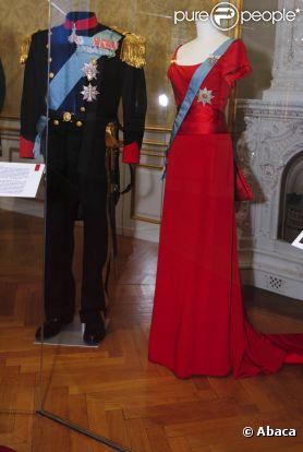 Nombre de robes et d'uniformes d'apparat utilisés sous le règne de Margrethe II de Danemark sont présentés par l'exposition 'Royak Gala' au Musée d'Amalienborg, que les royaux ont inaugurée le 11 janvier 2012.