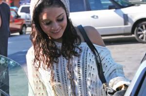 Vanessa Hudgens oublie sa robe de soirée, pas son copain