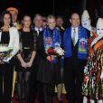Albert et Charlene de Monaco, d'humeur joviale, se sont joints mardi 24 janvier 2012 à la princesse Stéphanie et sa fille Pauline Ducruet pour la 6e soirée du 36e Festival International du Cirque de Monte-Carlo, au cours de laquelle les récompenses ont été distribuées.