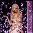 Zahia Dehar : superbe poupée tout droit sortie d'American Beauty lors de la présentation de sa collection de lingerie pendant la Fashion Week printemps-été 2012 au Palais de Chaillot à Paris le 25 janvier 2012
