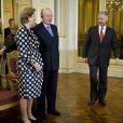 Le roi Albert II et la reine Paola de Belgique, en présence du prince héritier Philippe, recevaient à Laeken les dignitaires des instances européennes pour les voeux du Nouvel An.