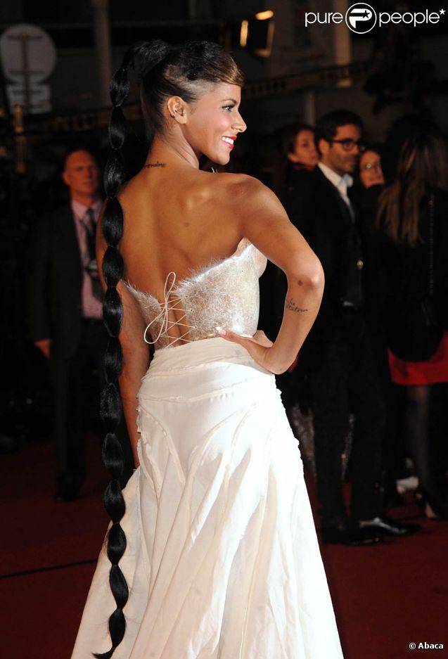 Shy'm, avec un corset imaginé par Franck Sorbier, a marqué les esprits lors des 13e NRJ Music Awards le 28 janvier 2012, à Cannes, où elle a reçu le prix de l'Interprète féminine francophone de l'année.