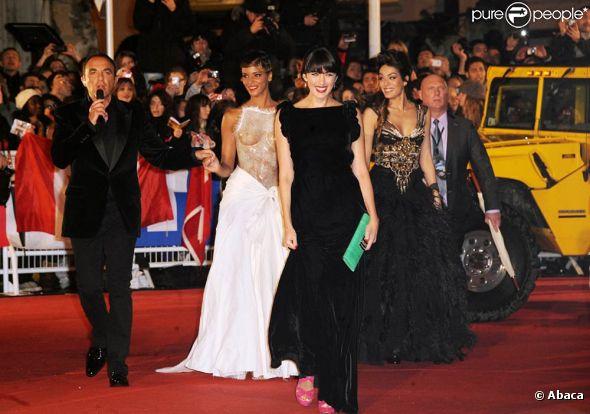 Shy'm, dans une création Franck Sorbier très audacieuse, a marqué les esprits lors des 13e NRJ Music Awards le 28 janvier 2012, à Cannes, où elle a reçu le prix de l'Interprète féminine francophone de l'année.