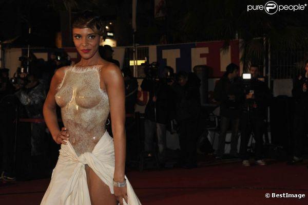 Avec sa seconde peau, une création Franck Sorbier très audacieuse, Shy'm a marqué les  esprits lors des 13e NRJ Music Awards le 28 janvier 2012, à Cannes, où  elle a reçu le prix de l'Interprète féminine francophone de l'année.