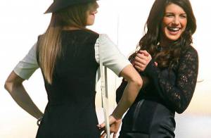 90210 : AnnaLynne McCord et Shenae Grimes mortes de rire... au cimetière