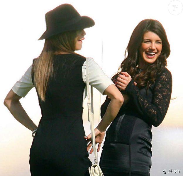 AnnaLynne McCord et une Shenae Grimes déchaînée sur le tournage de 90210, à Los Angeles, le 1er février 2011.