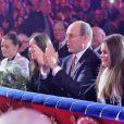 La princesse Stéphanie, Pauline Ducruet, le prince Albert et Louis Ducruet ont une vue plongeante sur la piste aux étoiles, et n'économisent pas leurs applaudissements.   La première édition du festival New Generation, placé sous la présidence de SAS la princesse Stéphanie de Monaco et dont le jury était présidé par Pauline Ducruet, s'est achevée en fanfare dimanche 5 février 2012, avec la remise de prix sous le chapiteau Fontvieille de Monte-Carlo.