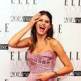 La Brésilienne Isabeli Fontana, visiblement ravie, remportait l'award du Meilleur Mannequin lors des Elle Style Awards 2012. Londres, le 13 février 2012.