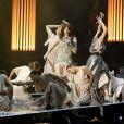 Florence + The Machine sur la scène des Brit Awards, à Londres, le 21 février 2012.