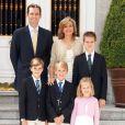 Iñaki Urdangarin, Cristina d'Espagne et leurs quatre enfants pour les voeux du Nouvel An 2012.