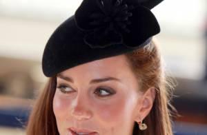 Kate Middleton : Sublime et élégante, elle soutient la reine en tournée royale