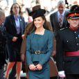 La reine Elizabeth II et Catherine, duchesse de Cambridge, arrivent à Leicester, le 8 mars  2012