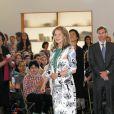 La reine Noor de Jordanie en visite au United World College de Maastricht, le 16 mars 2012. Noor est depuis 1995 présidente du groupe UWC.