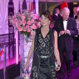La princesse Caroline a donné le ton des sixties, au Bal de la Rose 2012. A l'initiative de la princesse Caroline de  Monaco, présidente de la Fondation Princesse Grace, le Bal de la Rose 2012 a transformé la Salle des  Etoiles du Sporting Club de Monaco selon la mode folle, colorée et rock du  Londres des années 1960, Swinging London, le 24 mars 2012.