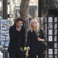 Anja Rubik et son mari Sasha Knezevic dans les rues de Paris le 24 mars 2012