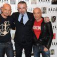 Alain Seban, entouré de Pierre et Gilles lors du dîner en l'honneur de Pierre et Gilles et de la sortie du livre Autobiographie en photomatons, le 29 mars 2012 à Paris