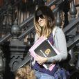 Sarah Jessica emmène ses filles Marion et Tabitha à l'école. New York le 30 mars 2012.
