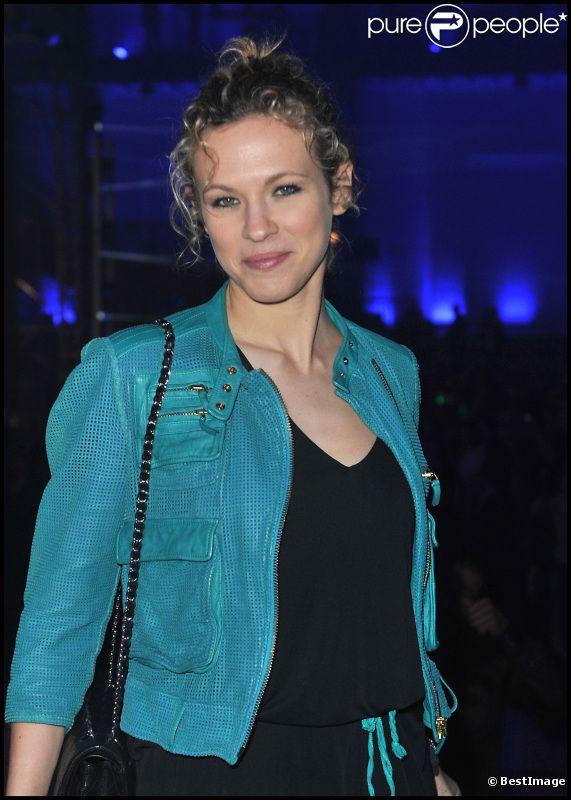 Lorie lors de la soirée des 20 ans de Radio FG au Grand Palais le 5 avril 2012 à Paris