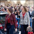 La reine Sofia et l'infante Elena arrivent à la cathédrale Santa Maria de Palma de Majorque. La famille royale d'Espagne assistait le 8 avril 2012 en la cathédrale Santa Maria de Majorque (''La Seu'') à la messe de Pâques conduite par Jesus Murgui.