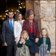 Reportage d'Antena 3 sur la présence des royaux pour la messe de Pâques à la cathédrale Santa Maria de Palma de Majorque le 8 avril 2012.