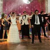 Plan de table : Crises de nerfs et catastrophes en série pour mariages cultes